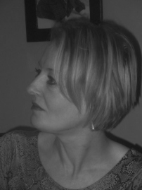 Alison Williams (2)